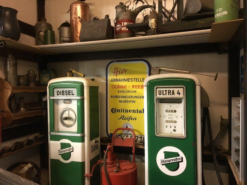 AUTO-MOBIL - Sonderausstellung Südsauerlandmuseum Attendorn - Die Drei von der Tankstelle