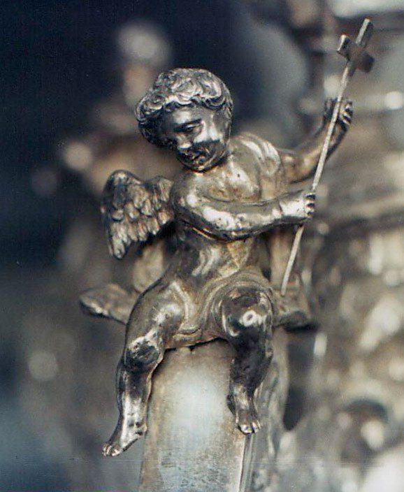 Schmiedeschutzgeist, Detailfigur von einem Silberleuchter